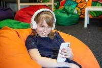 Czy dzieci powinny mieć telefony komórkowe? Eksperci mają różne zdania